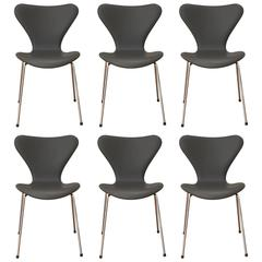 Six Pieces Arne Jacobsen 3107 Chairs