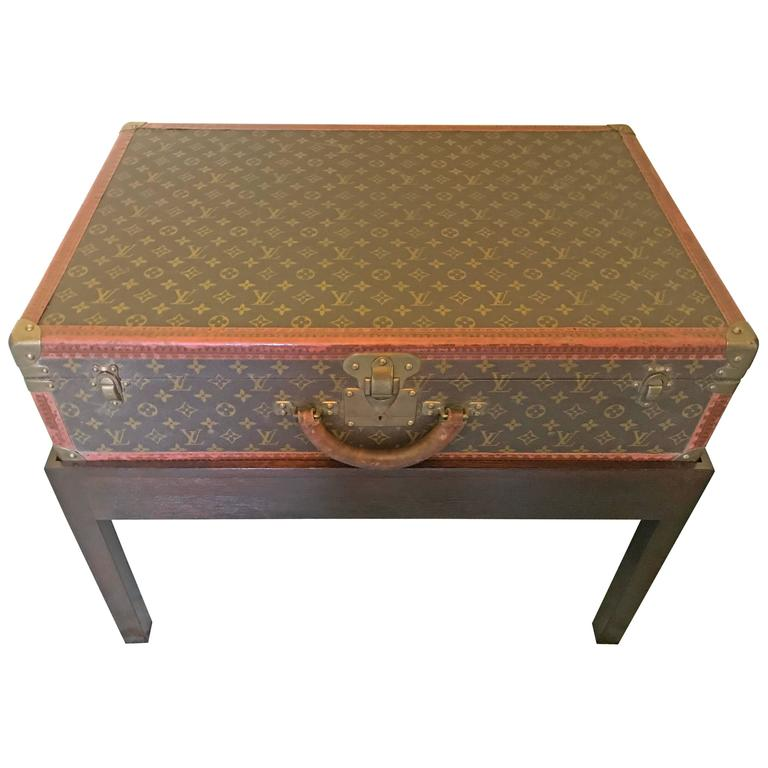 Lv Trunk Coffee Table: Louis Vuitton Steamer Trunk On Stand For Sale At 1stdibs