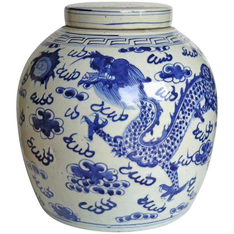Large Chinese Porcelain Lidded Jar Blue and White Dragons, Late 19th Century
