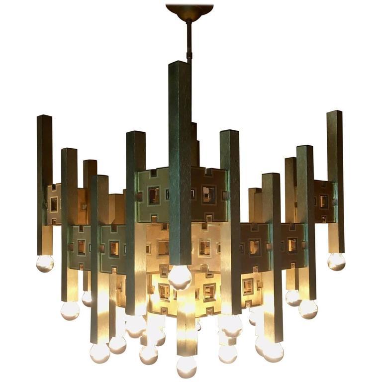 Spectecular Brass Modernist Twenty-Four Lights Chandelier by Gaetano Sciolari