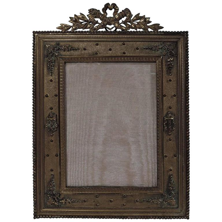 antique french rococo revival gilt bronze picture frame for sale at 1stdibs. Black Bedroom Furniture Sets. Home Design Ideas