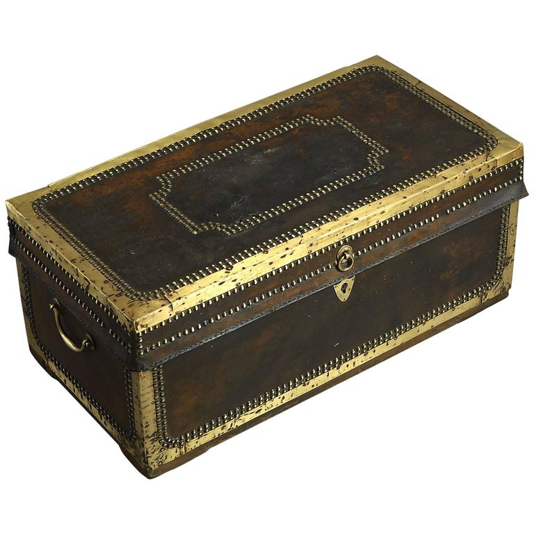19th Century Chinese Export Travelling Trunk For Sale
