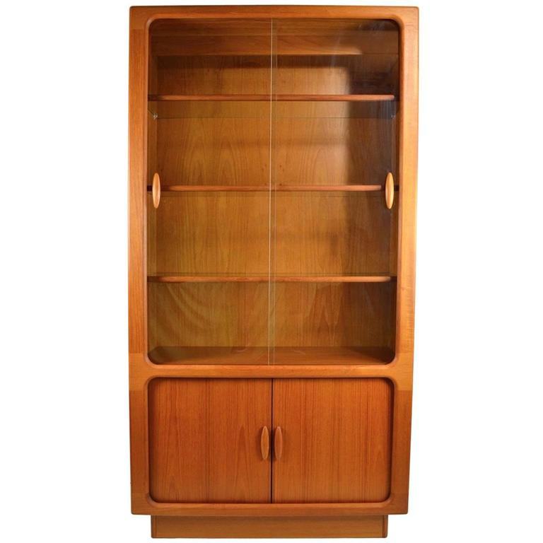 dyrlund danish modern vitrine chine cabinet at 1stdibs. Black Bedroom Furniture Sets. Home Design Ideas