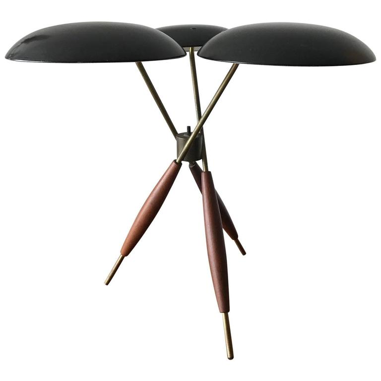 Gerald Thurston For Lightolier Tripod Table Lamp For Sale