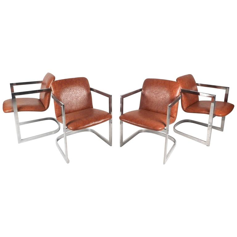 Set of Four Mid-Century Modern Cantilever Chairs in the Style of Milo Baughman