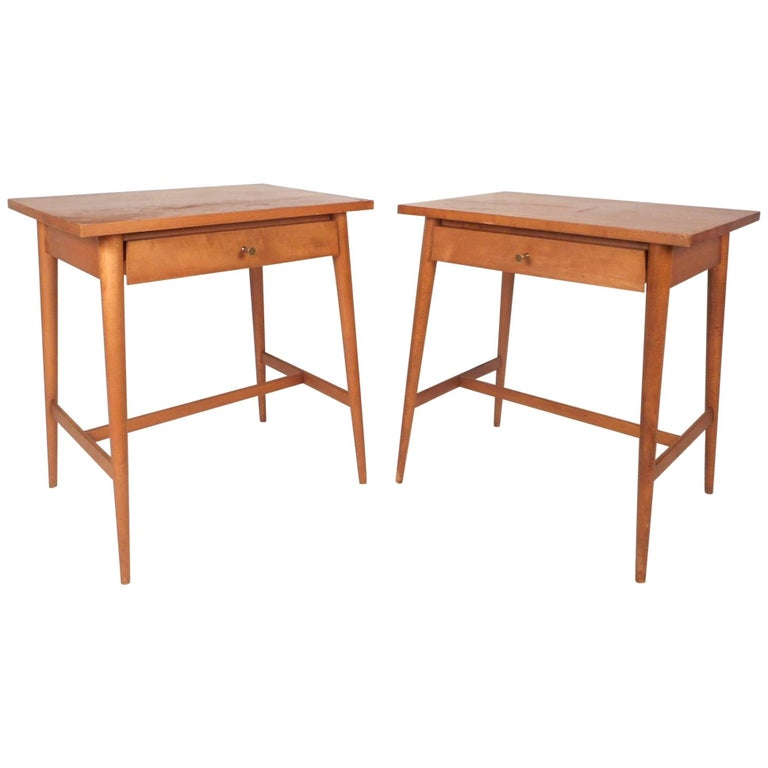 Pair of Mid-Century Modern End Tables by Paul McCobb for Planner Group For Sale