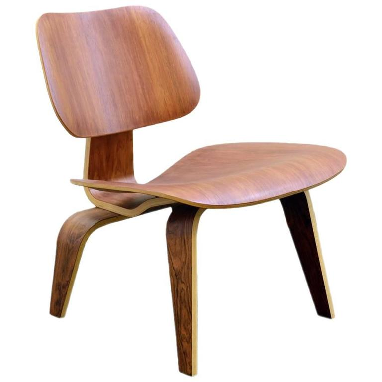 LCW Lounge Chair In Bent Plywood By Charles And Ray Eames For Herman  Miller, US