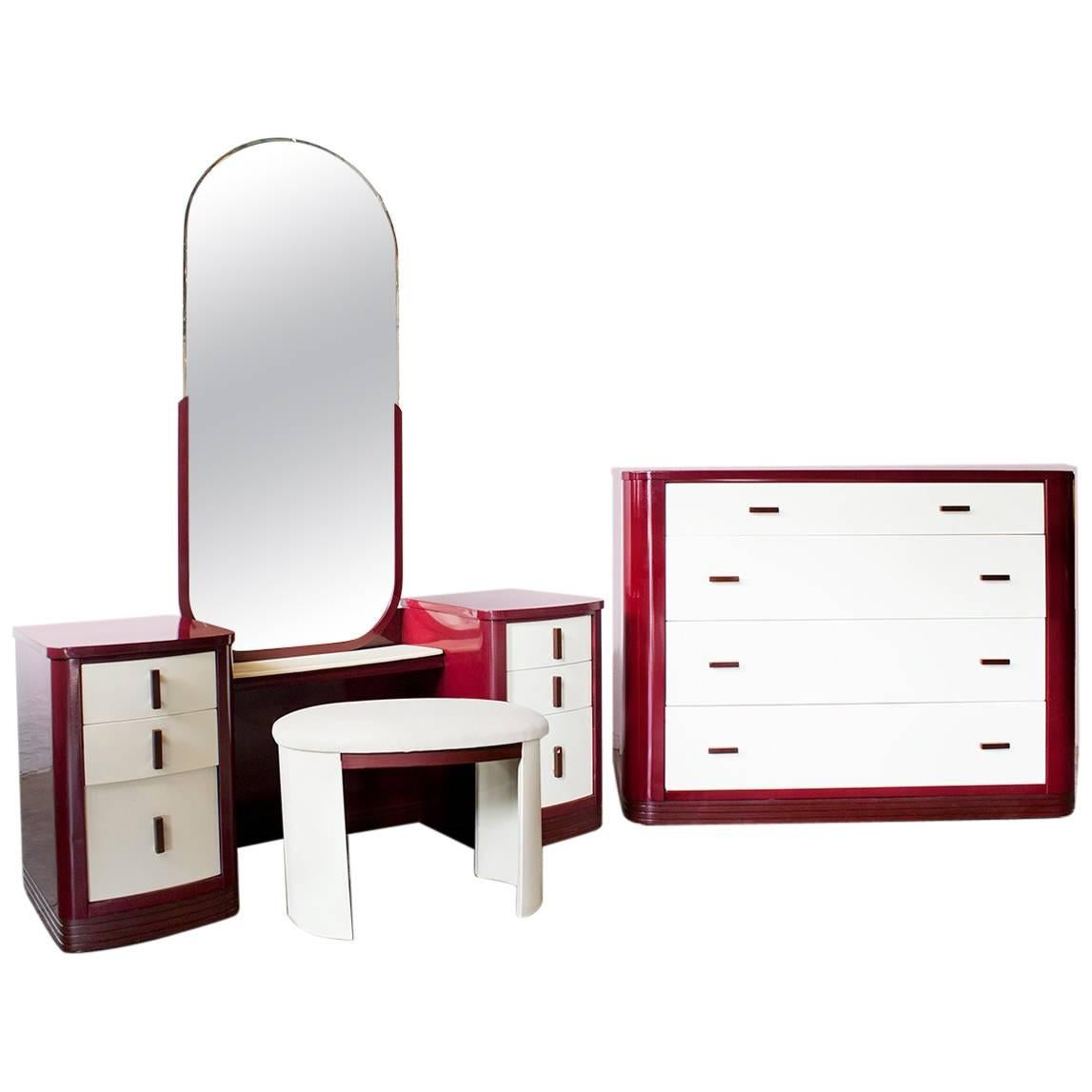 Merveilleux Norman Bel Geddes Dresser And Vanity Bedroom Set, Refinished For Sale