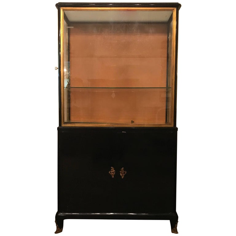 mid century modern ebonized vitrine or china cabinet. Black Bedroom Furniture Sets. Home Design Ideas