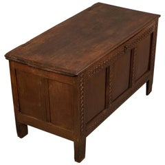 Antique Oak Mid-Size Chest Coffer Trunk Box, English, circa 1700