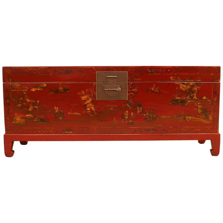 Fine Red Lacquer Trunk with Gilt Motif For Sale