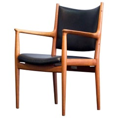 Hans J. Wegner JH 513 Chair by Johannes Hansen, Knoll International