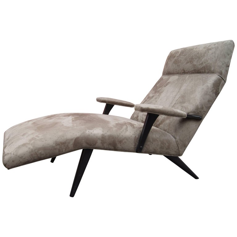mid century leather chaise longue for sale at 1stdibs. Black Bedroom Furniture Sets. Home Design Ideas