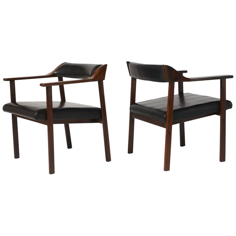 Pair of Lounge Chairs by Joaquim Tenreiro 1