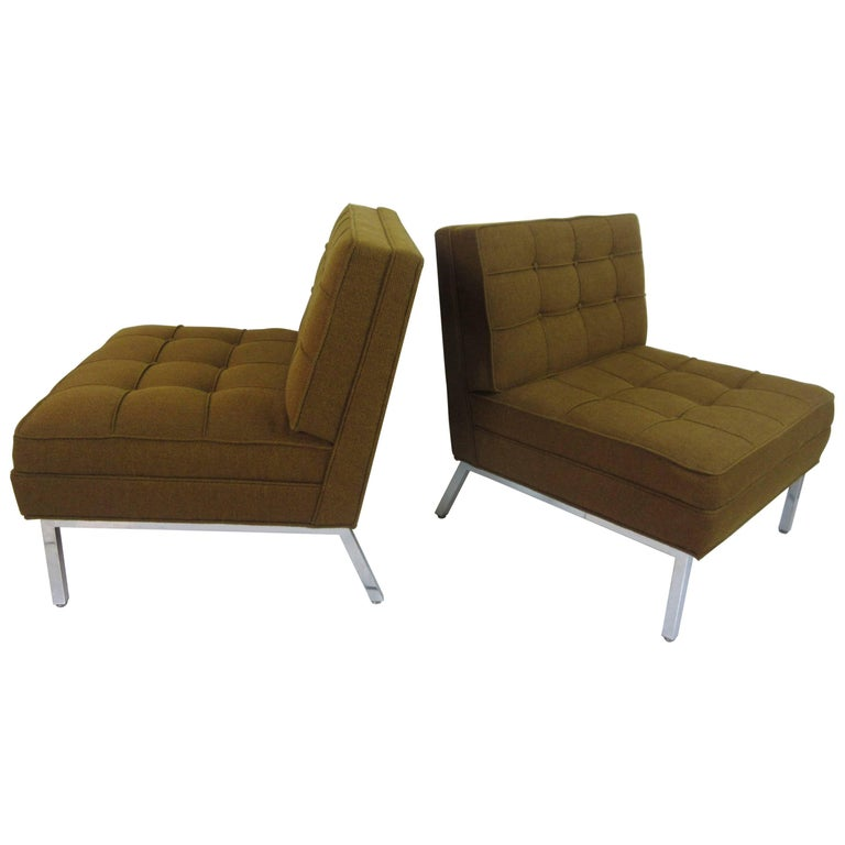 Pair of Slipper Chairs in the Manner of Florence Knoll 1
