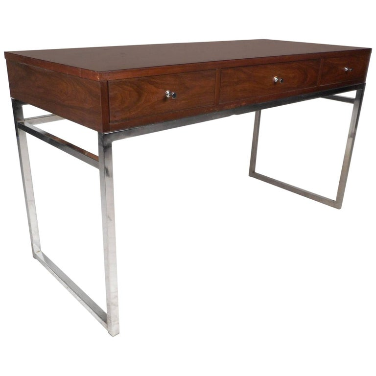 Mid-Century Modern Desk in the Style of Milo Baughman
