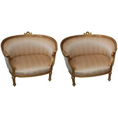 Exceptional Pair of Carved and Gilded Marquis Armchairs