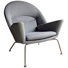 Hans Wegner Lounge Chair Model 468 Oculus Manufactured by Carl Hansen Grey No.1