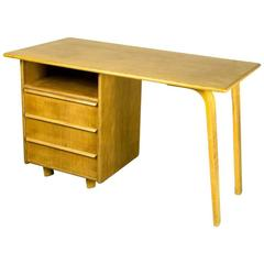 Mid-Century Dutch Design EE02 Oak Desk by Cees Braakman for Pastoe