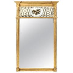 Very Fine Giltwood Federal Mirror with Églomisé Panel