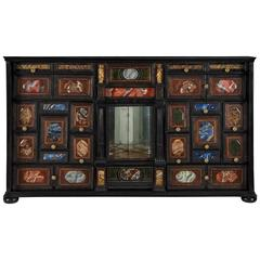 Small-Scale Italian Early 18th Century Verre Églomisé Baroque Specimen Cabinet