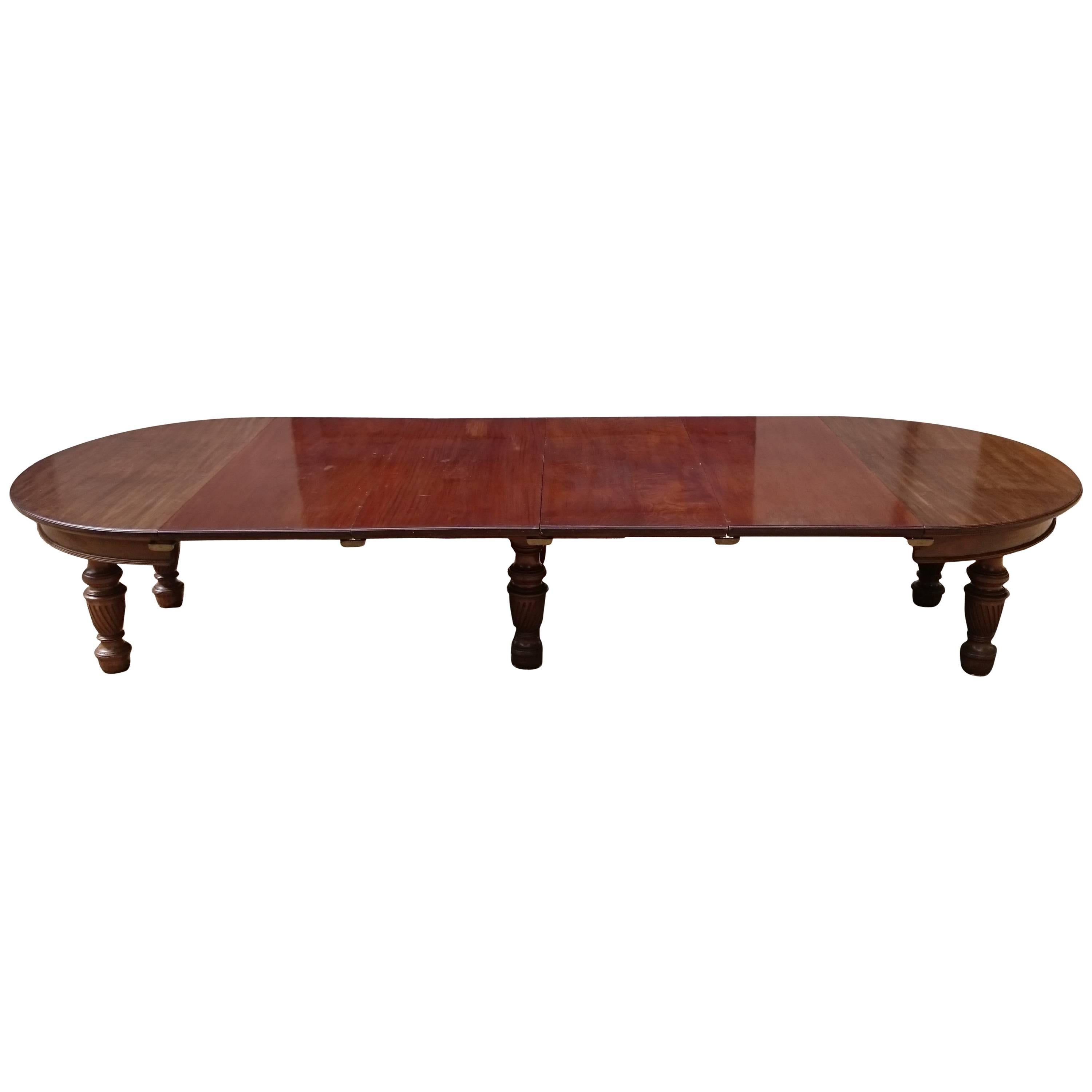 Large 19th Century Mahogany Extending Antique Dining Table