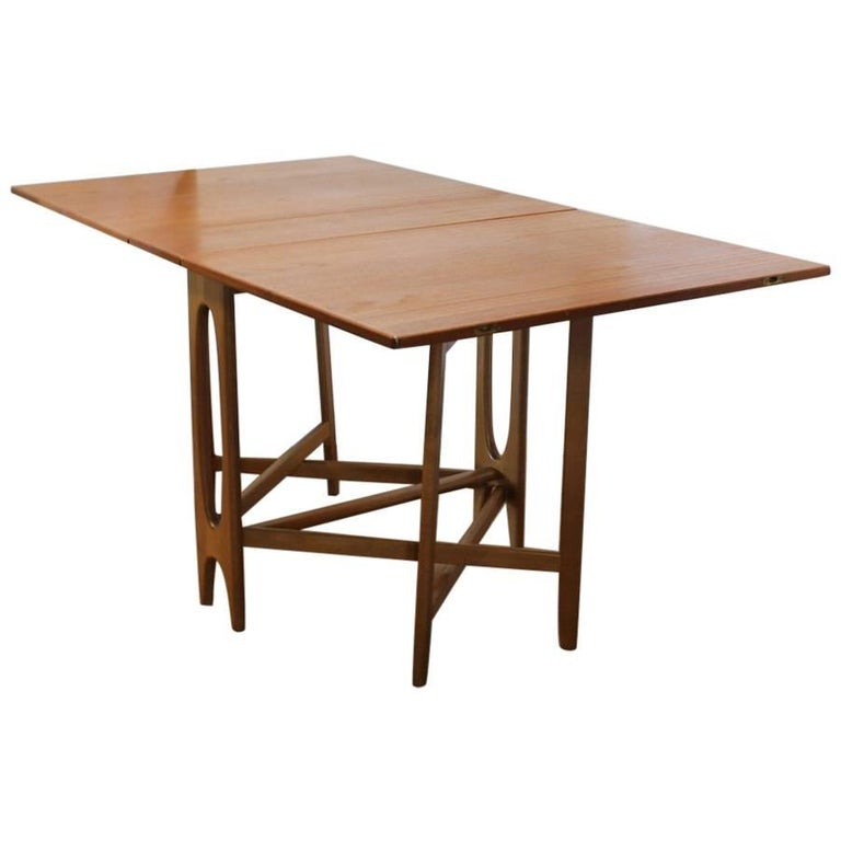 Midcentury gateleg folding dinning table for sale at 1stdibs - Gateleg table with folding chairs ...