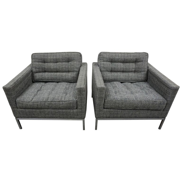 Pair of Knoll Lounge Chairs 1