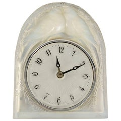 """René Lalique Opalescent Pendule """"2 Colombes"""""""