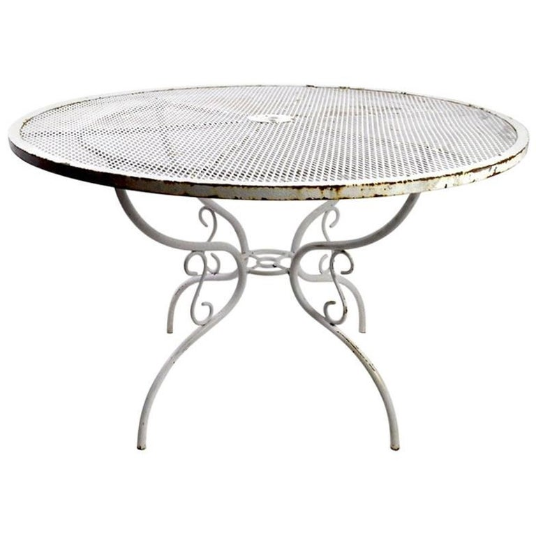 woodard wrought iron dining table with scroll decorated base for sale at 1stdibs. Black Bedroom Furniture Sets. Home Design Ideas