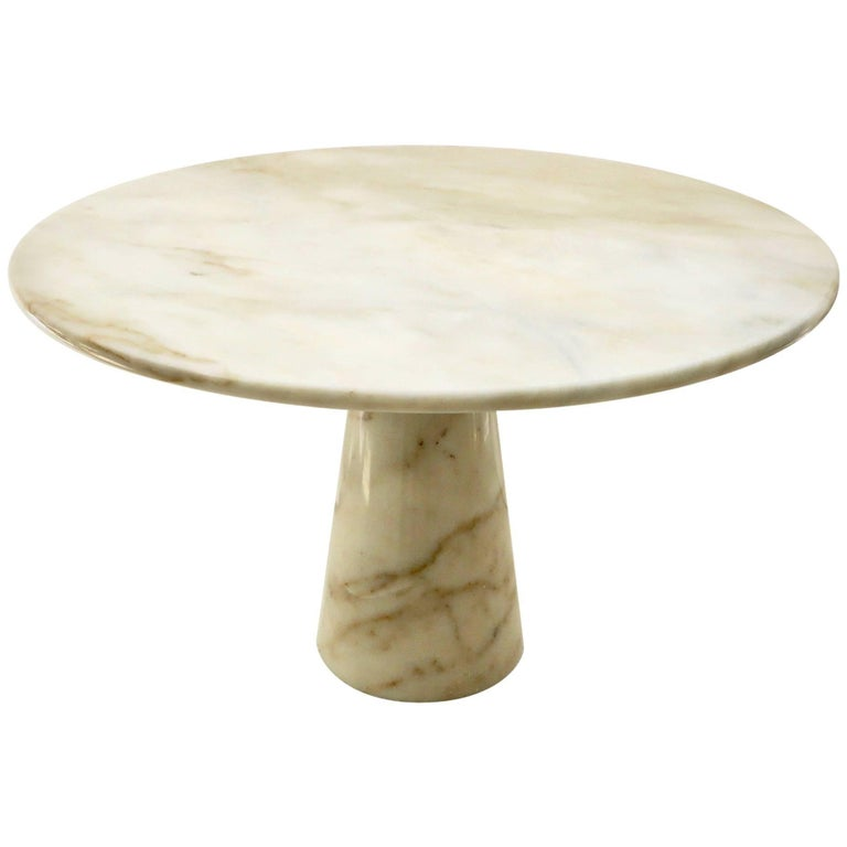 Vintage Italian Round Onyx Dining or Centre Table in Warm Tones of Cream 1