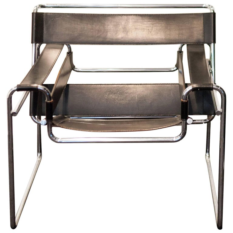 20th century black wassily b3 chair by marcel breuer in leather and steel for sale at 1stdibs. Black Bedroom Furniture Sets. Home Design Ideas