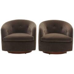 Pair of Milo Baughman Tilt Swivel Club Chairs in Gray Mohair, Fully Restored