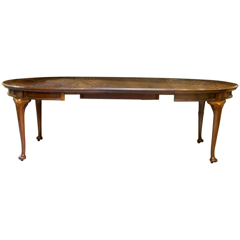 Quality mahogany extending dining table for sale at 1stdibs for Good quality dining tables