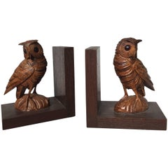 Highly Decorative Pair of Mid-20th Century Quality Carved Owl Bookends