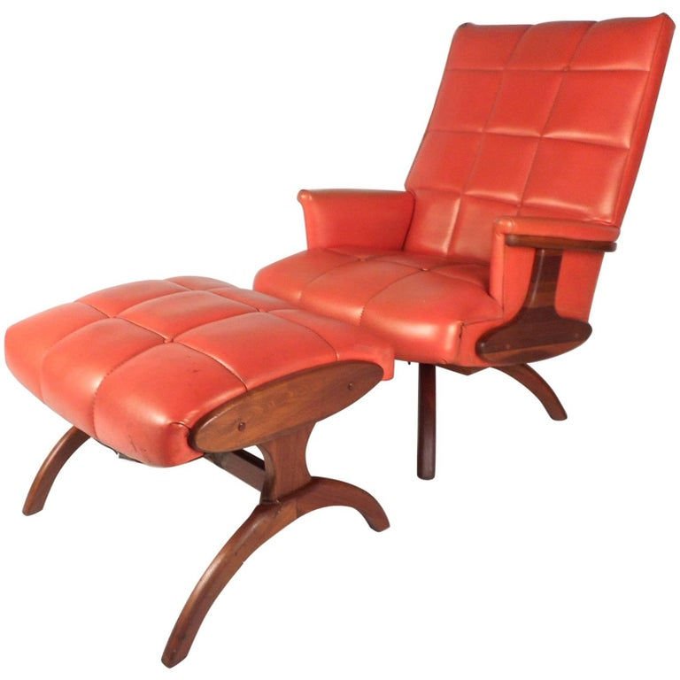 Mid-Century Modern Heywood Wakefield Style Swivel Lounge Chair and Ottoman