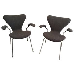 Pair of Arne Jacobsen Series 7 Armchairs for Fritz Hansen