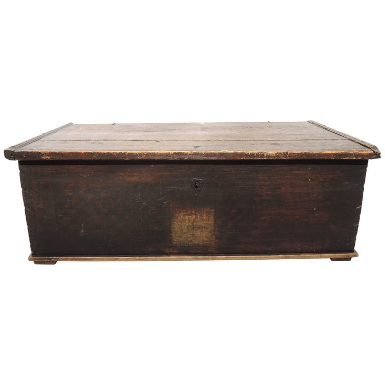 Early 19th Century Swedish Painted Trunk For Sale
