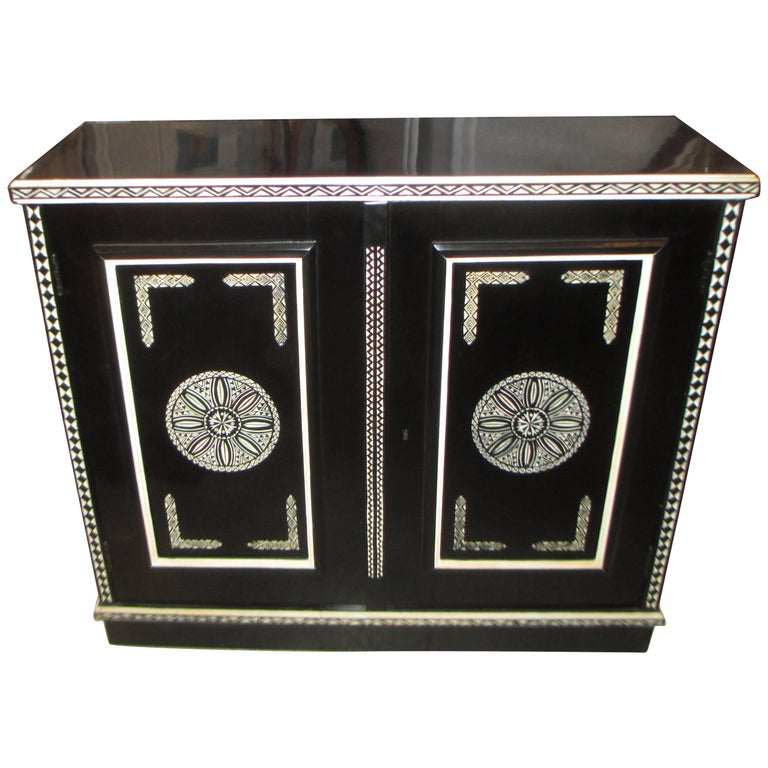 Hand-Decorated Cabinet in the Anglo-Indian Manner For Sale