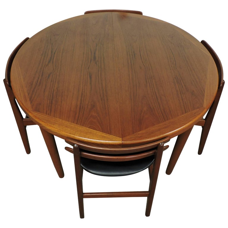Danish Modern Teak Extendable Dining Table by Vejle Stole  : 8112073master from www.1stdibs.com size 768 x 768 jpeg 63kB