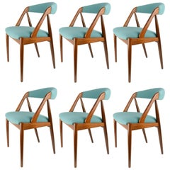 Set of Six Kai Kristiansen Model 31 Dining Chair in Teak and Danish Wool