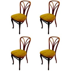 Set of Four Thonet Bentwood Cafe Dining Chairs, circa 1914