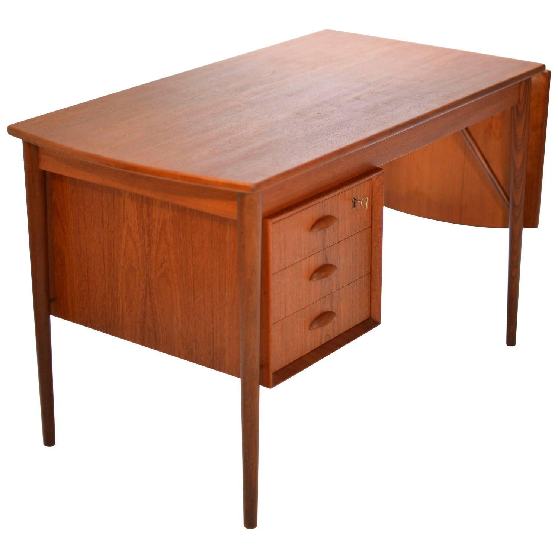 vintage danish mid century modern coffee table in teak by