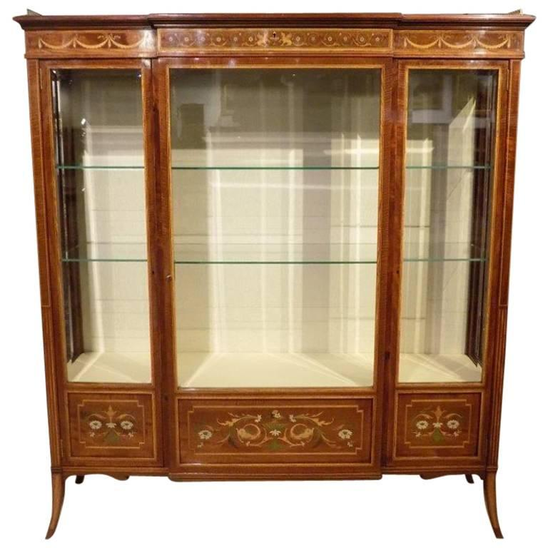 Stunning Fiddleback Mahogany Edwards & Roberts Antique Display/China Cabinet