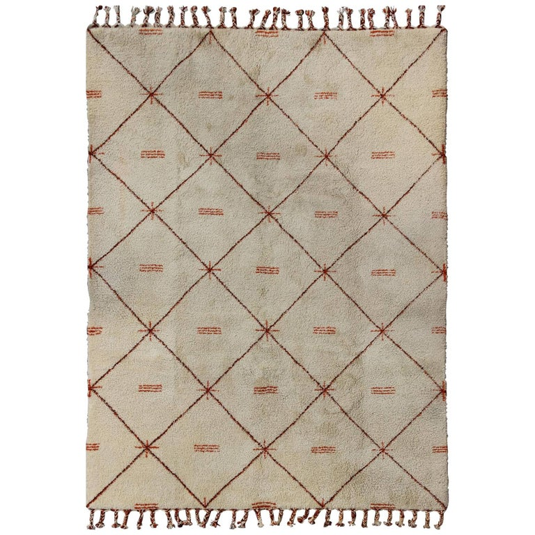 Ivory Background Vintage Moroccan Rug with Red/Brown Diamond Pattern & Fringe