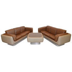 William Andrus Sofas and Table Set of Lucite, Leather and Fiberglass, 1970s