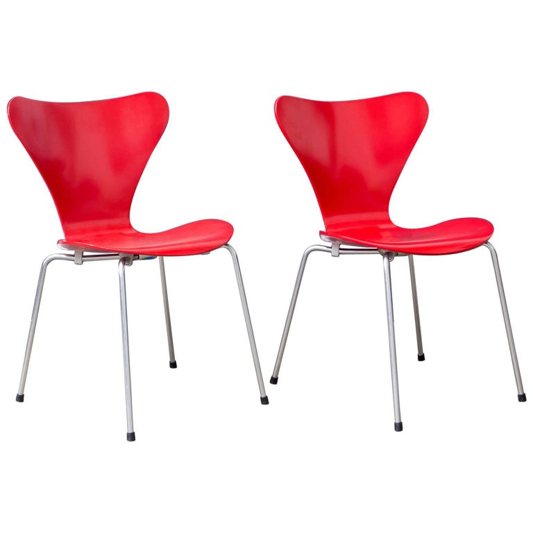 1955, Arne Jacobsen, Set of Two Early Vintage Red Painted 3107 Butterfly Chairs