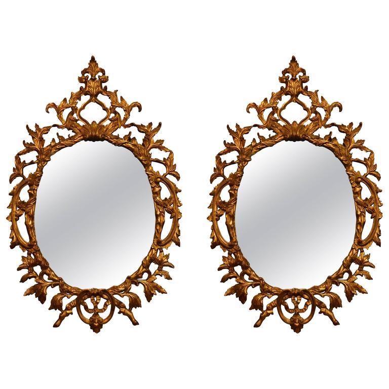 paar antike spiegel aus vergoldetem geschnitztem holz im angebot bei 1stdibs. Black Bedroom Furniture Sets. Home Design Ideas