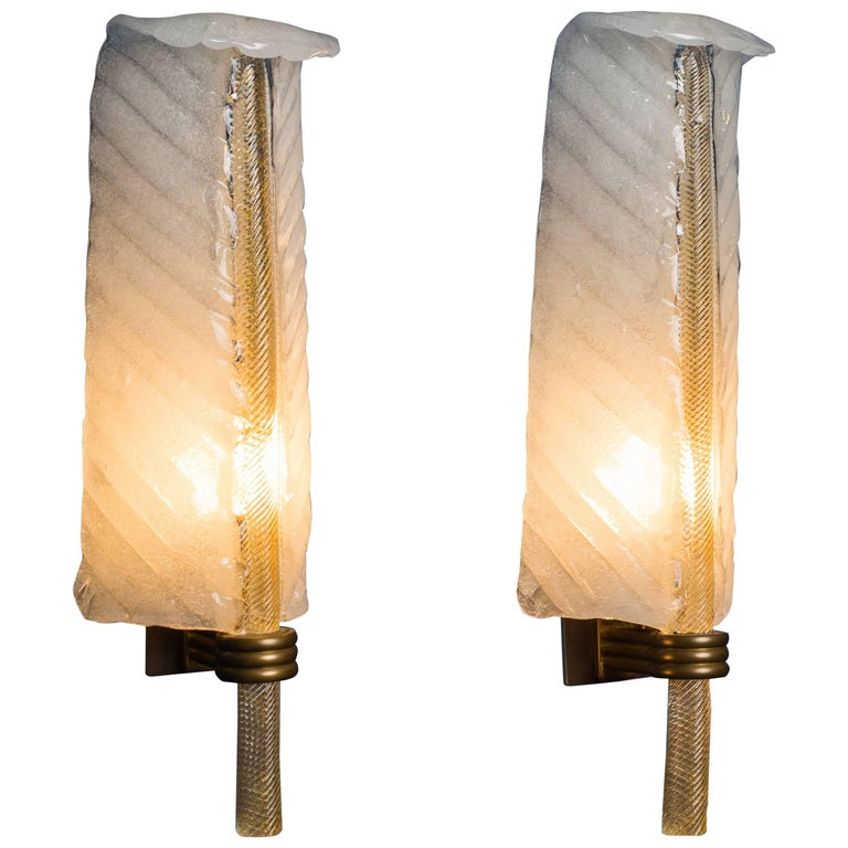 Tomaso Buzzi for Venini Pair of Glass Feather Sconces Model 413, Italy,1932-1933