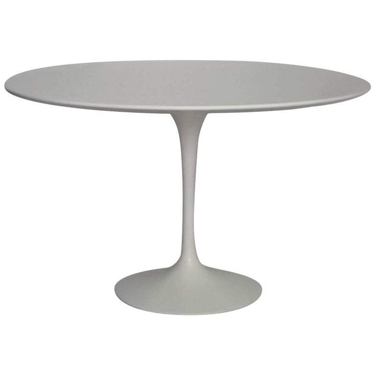 saarinen round dining table designed by eero saarinen for knoll at 1stdibs. Black Bedroom Furniture Sets. Home Design Ideas